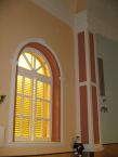 Templom ablak díszítése polisztirol díszléccel